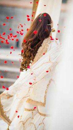 Stylish Dresses For Girls, Stylish Girls Photos, Wedding Dresses For Girls, Stylish Girl Pic, Beautiful Girl Photo, Beautiful Girl Image, Cute Girl Photo, Beautiful Couple, Indian Wedding Photography Poses