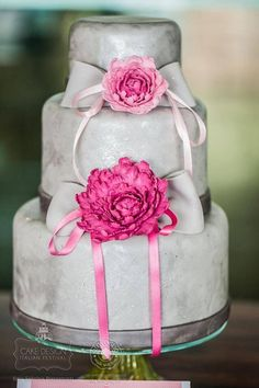 I can't find a link to credit this cake correctly, but it is so pretty! Beautiful Cake Designs, Beautiful Cakes, Cake Land, Blue Party, Elegant Cakes, Pretty Cakes, Tiered Cakes, Cupcake Cakes, Cupcakes