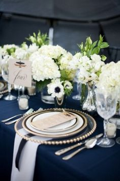 navy and white wedding table decor ideas