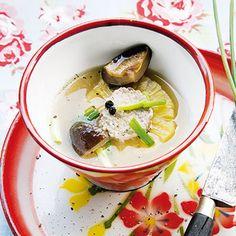 Suppe mit gefüllten Ananasringen (Soup Sapparot)