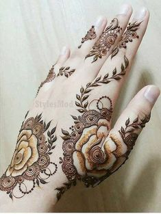 Mehndi Design Offline is an app which will give you more than 300 mehndi designs. - Mehndi Designs and Styles - Henna Designs Hand Rose Mehndi Designs, Latest Henna Designs, Indian Henna Designs, Back Hand Mehndi Designs, Legs Mehndi Design, Stylish Mehndi Designs, Mehndi Style, Mehndi Design Photos, Mehndi Designs For Fingers