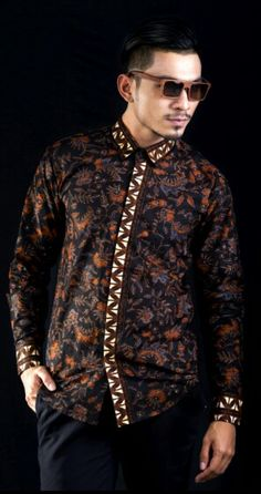 Mavazi men - Batik collections - Javanese hand printing motif Batik Fashion, Fashion Sewing, Mens Fashion, Fashion Tips, Fashion Trends, African Shirts, African Wear, African Fashion, Batik Couple