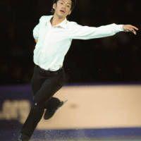 NHK杯フィギュア・男子ショートプログラム(SP)で演技する高橋大輔(札幌市の真駒内セキスイハイムアイスアリーナ)