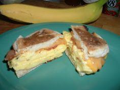 Egg McMuffin My Way....Maryann's GT Xpress 101 Recipes...this website takes you to real recipes Griddle Recipes, Egg Recipes, Cooker Recipes, Dinner Recipes, Sandwich Maker Recipes, Wine Tasting Party, Small Meals, Waffle Iron, Pampered Chef