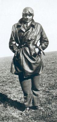 Antoine de Saint-Exupéry (1900-1944) - Photo prise en Argentine - en 1930 - En tenue de pilote -