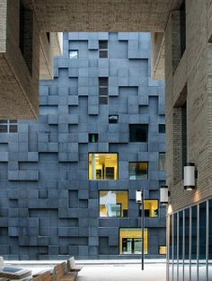 Royal Ontario Museum by Daniel Libeskind...love the old mixed with the new...I can't believe I have actually seen this in person...it is stunning!!!