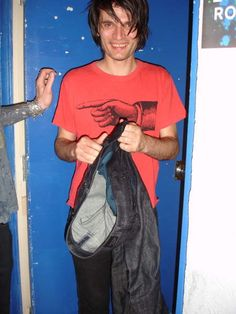 Jonny Greenwood backstage in West Palm Beach Florida - - RADIOHEAD | Dead Air Space