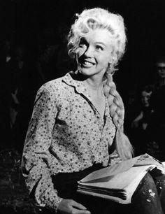 alwaysmarilynmonroe:    Marilyn in River of No Return (1954)