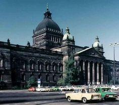 Das heutige Bundesverwaltungsgericht in #Leipzig fotografiert in den 80er Jahren