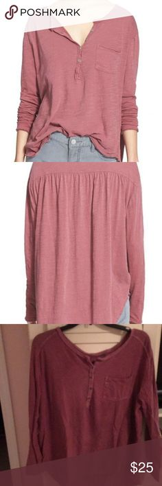 FREE PEOPLE TOP Worn once! So cute and comfy for fall! Free People Tops Tees - Long Sleeve