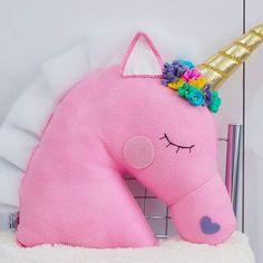 Encomenda almofada unicórnio em feltro pronta #almofadaunicórnio #almofada #unicornio #unicórnio #feltro #feitoamao #feitoamão #trabalhomanual #artesanato #arte #feitodepano
