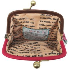 Purses, Pouches and Wallets I Love Books, Good Books, My Books, Librarian Style, Book Purse, Book Jewelry, Book Sculpture, Fiction Writing, Book Girl