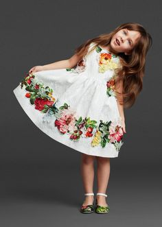 ALALOSHA: VOGUE ENFANTS: Dolce & Gabbana girls as flower FW2013