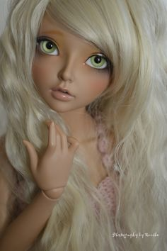 https://flic.kr/p/geZDqn | I' am Mariasha | This is my new girl. She is based on a OC of myself. I was really sad that I missed  the tan skin event.  Luckily I was able to buy a her^^  I' am very grateful she wanted to sell her to me. I already adore this girl, the tan skin is really beautiful. She will soon get her own wig and maybe some other eyes.