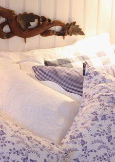 Raikkaat värit makuuhuoneessa