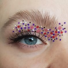 A fun and unusual eyelook with colorful pink, red, purple, black and white dots, false lashes and a natural bushy eyebrow - creative, artistic and editorial eye makeup art - eye makeup for blue eyes Creative Eye Makeup, Eye Makeup Art, Blue Eye Makeup, Bushy Eyebrows, False Lashes, Red Purple, Blue Eyes, Makeup Looks, Editorial