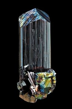 Rutile Minerals And Gemstones, Rocks And Minerals, Semi Precious Gemstones, Precious Metals, Gemstone Properties, Cool Rocks, Rocks And Gems, Stones And Crystals, Geography