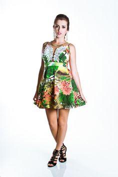 Vestido Evasê Tropical com Tule e Renda
