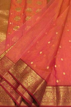Shop more Handloom Chanderi Saree at Luxurionworld. Pink Saree Silk, Kora Silk Sarees, Silk Saree Kanchipuram, Chanderi Silk Saree, Bridal Silk Saree, Organza Saree, Silk Cotton Sarees, Cotton Saree Designs, Saree Blouse Neck Designs