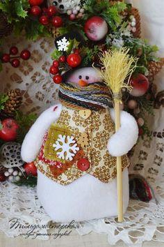 Новый год 2017 ручной работы. Ярмарка Мастеров - ручная работа. Купить Снеговик в цилиндре , снеговичок , снеговик. Handmade. Белый, Снег
