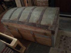 Restauración de un baúl con decoupage