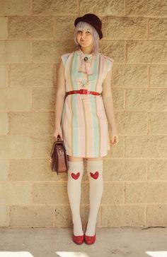 Thepineneedlecollective.blogspot = indie vintage fashion GENIUS!!