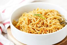Garlic noodles – garlicky and buttery noodles with Parmesan cheese. SO easy and delicious you won't stop eating!! | rasamalaysia.com