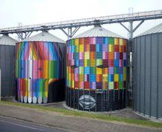 Street art coloré et géométrique par Okuda - Journal du Design