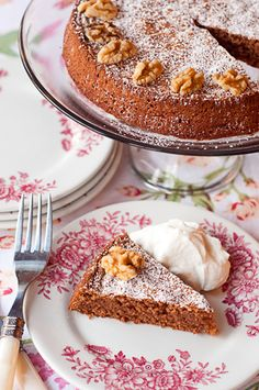 Flourless Walnut Cake - this flourless cake uses ground walnuts in place of flour and beaten egg whites for lift and is flavored with chocolate and coffee. Sweet Recipes, Cake Recipes, Dessert Recipes, Tapas, Flourless Cake, Biscuits, Walnut Cake, Cake Flavors, Let Them Eat Cake