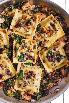 Italian Ravioli with Spinach, Artichokes, Capers, Sun-Dried Tomatoes - Pasta Recipes - Easy Pizza Tomato Cream Sauce Pasta, Cream Pasta, Pasta Recipes, Cooking Recipes, Recipes Dinner, Chicken Recipes, Ravioli Pasta Recipe, Cooking Hacks, Grill Recipes