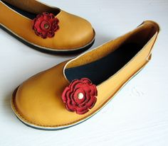 If I had the money to blow... Size UK 7, Handmade leather shoes, Mustard, 2146 EDITH by Fairysteps