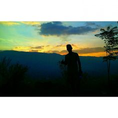 Maravilloso amanecer en el cerro el volador espacio perfecto para meditar by guillermocastanoo
