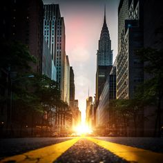 manhattanhenge 2014: twice a year the sun perfectly aligns with the East/West streets of Manhattan Island creating the perfect sunset(s) visible across the city!