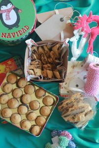 Christmas Biscuit Presents Christmas Smells, Christmas Biscuits, Diy Presents, Sweet Treats, Breakfast, Easy, Crafts, Food, Morning Coffee
