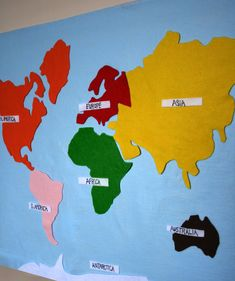 Montessori Felt Map of World Continents for kids learning English, Spanish, German, or French! Montessori Color, Montessori Preschool, Learning Tools, Kids Learning, Geography For Kids, Les Continents, Interactive Map, Learn French, Pet Gifts