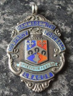 1922 HAMMERSMITH DISTRICT FOOTBALL LEAGUE SOLID SILVER & ENAMEL FOB MEDAL