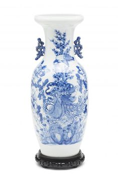 Chinese porcelain vase, last third of the 20th Century  Wooden stand     58x21.5x21.5 cm