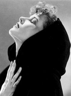 Katharine Hepburn photographed by Ernest Bachrach, 1933