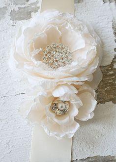 crystal embellished flower belt,