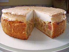 Rhabarberkuchen mit Sahneguss und Baiserhaube Rhubarb pie with cream sauce and meringue topping, a nice cake recipe. Ratings: Average: Ø Rhubarb cake with creamCream cake with rhubarbCream cake with rhubarb Most Delicious Recipe, Delicious Cake Recipes, Yummy Cakes, Rhubarb Cake, Butter Tarts, Free Fruit, Puff Pastry Recipes, Salty Cake, Cake Toppings