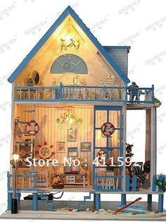 wooden dollhouse,doll house,doll house wood