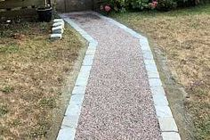 Gravel surfaces stabilized for vehicle and pedestrian traffic – CORE Landscape Gravel Walkway, Brick Pathway, Gravel Landscaping, Diy Driveway, Driveway Design, Stone Driveway, Driveway Ideas, Rock Path, Landscape Lighting Design