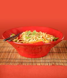 Sesame Hot Noodles Sesame Hot Noodles has a perfect blend of noodles with a spicy kick! Add lots of veggies for your health. This recipe serves 4. #vegetablerecipes #chineserecipes #healthyrecipes