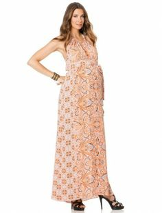With maxi dresses, you can wear them either to formal parties or even to casual parties. Party dresses never got any easier with maxi dresses. You can compliment maxi dresses with chunky jewelery in bright and bold colors. Maxi dresses also create a good fashion statement