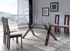 Mesa de comedor con base de madera