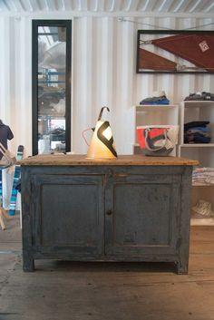 Lampe baladeuse 727 par 727 Sailbags & Elomax  Découvrez le showroom containers!