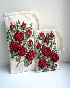 Wonderful Ribbon Embroidery Flowers by Hand Ideas. Enchanting Ribbon Embroidery Flowers by Hand Ideas. Silk Ribbon Embroidery, Diy Embroidery, Cross Stitch Embroidery, Ribbon Art, Ribbon Crafts, Ribbon Rose, Embroidery Designs, Lace Beadwork, Embroidery Techniques