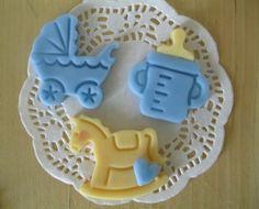 Placchette per confettate battesimo in pasta di mais. Notedizucchero.blogspot.com