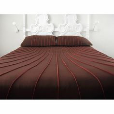 Swoop Original Collection Wool Bedspread - Cal. King - Click to enlarge