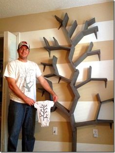 TREE BOOKSHELF WITH SHELF BRACKETS -- EASY!